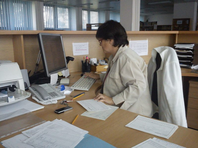 Študovňa, beletria, analytický popis článkov seriálov, rešeršné služby